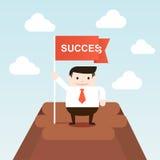 De succesvolle zakenman gaat tot de bovenkant van berg Royalty-vrije Stock Afbeelding