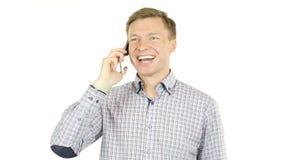 de succesvolle zakenman krijgt groot nieuws op smartphone stock video