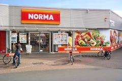 De supermarkt van de Normakorting Stock Afbeeldingen
