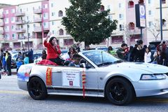 De supervisor Hilda Solis, Eregrand stelt, bij de Chinese het Nieuwjaarparade van Laos Angeles op stock foto