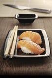 De Sushi van de zalm royalty-vrije stock foto's