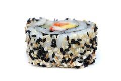 De sushi van Maki rollen met sesamgrens Stock Fotografie