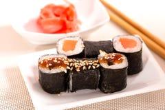 De sushibroodjes van Japan Stock Afbeeldingen