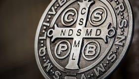 De symbolen van heilige Benedict medall Royalty-vrije Stock Fotografie