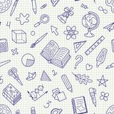 De Symbolenpatroon van de school Hand-drawn Naadloos Kantoorbehoeften op Geregeld Stock Foto's