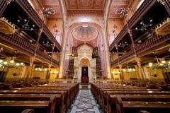 De Synagogebinnenland van de Dohanystraat in Boedapest royalty-vrije stock foto's
