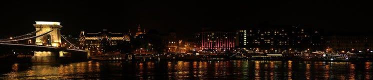 De Szechenyi-Kettingsbrug in Boedapest Hongarije stock foto