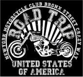 De t-shirtontwerp van het motorfietsetiket met illustratie van douanekarbonade Stock Foto's
