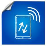 De tablet op een blauwe achtergrond wordt getrokken met a Royalty-vrije Stock Foto's