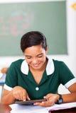 De tablet van het tienerschoolmeisje Royalty-vrije Stock Fotografie