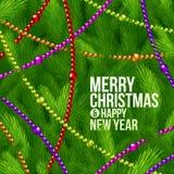 De takken van de kerstboom en kleurenparels Stock Foto
