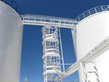 De tank met water en een ladder royalty-vrije stock afbeeldingen