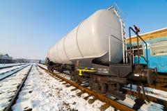 De tank van de aardolie op spoorweg stock foto