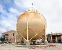De Tank van de methaanopslag bij een Afvalwaterzuiveringsinstallatie Royalty-vrije Stock Fotografie