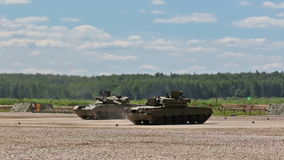 De tanks tonen stock video