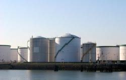 De tanks van de brandstof stock fotografie