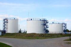 De tanks van de olie Stock Afbeeldingen
