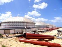 De tanks van de olie stock afbeelding