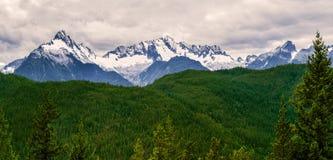 De Tantalus-Bergketen met de sneeuw behandelde pieken van Alpha- royalty-vrije stock fotografie