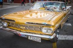 De taxi van Chevrolet oldtimer in Cuba Stock Foto