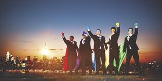 De Team Skyline Concept corporativo del super héroe hombres de negocios Imagen de archivo libre de regalías