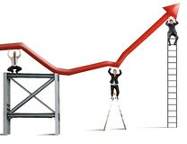 De teamwerken om de bedrijfswinst te verbeteren Stock Foto