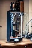 De technologie van het creëren van een model op een 3d printer Stock Foto