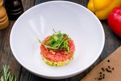 De teer van de tonijnteer met avocado royalty-vrije stock afbeelding