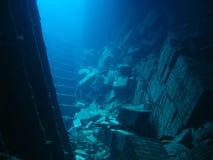 De tegels en zwemmen door van het Wrak van Chrisola K royalty-vrije stock fotografie