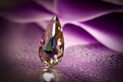 De tegenhanger van het kristal Royalty-vrije Stock Afbeeldingen