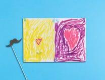 De tekening en de snor van kinderen op blauwe achtergrond Royalty-vrije Stock Afbeeldingen