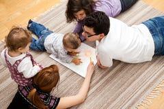 De tekening van de huisfamilie stock fotografie