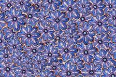 De tekening van het kinderen` s potlood Achtergrond van blauwe bloemen vector illustratie