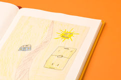 De tekeningen van kinderen Stock Foto's