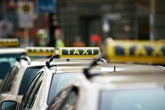 De tekens van de taxi Stock Afbeelding