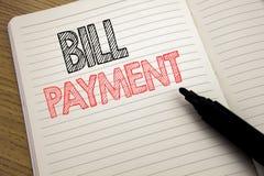 De tekst die van de handschriftaankondiging Bill Payment tonen Het bedrijfsdieconcept voor het Factureren betaalt Kosten op notit vector illustratie