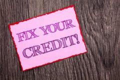 De tekst die van de handschriftaankondiging Moeilijke situatie Uw Krediet tonen De conceptuele Classificatie Avice Fix Improvemen stock fotografie