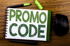 De tekst die van de handschriftaankondiging Promo-Code tonen Bedrijfsconcept voor Bevordering voor Online die Zaken op de nota va Stock Afbeelding