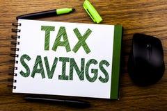 De tekst die van de handschriftaankondiging Tex Savings tonen Bedrijfsconcept voor Extra die het Geldterugbetaling van Belastings Royalty-vrije Stock Foto's