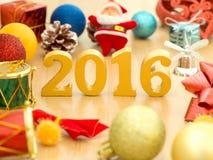 De tekst van goud 2016, maakt van hout Gouden jaar 2016 Nieuwe jaardecoratie, close-up op de tekst van 2016 Gelukkig Nieuwjaar 20 Stock Afbeelding