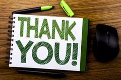 De tekst van de handschriftaankondiging het tonen dankt u Bedrijfsdieconcept voor Dankbericht op de notadocument van het notitieb Royalty-vrije Stock Foto