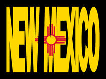 De tekst van New Mexico met vlag Stock Fotografie