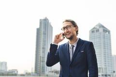 De Telefoonconcept van zakenmanworking connecting smart royalty-vrije stock foto's