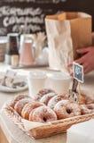 De Teller van de doughnutopslag Stock Foto's