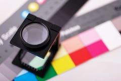 De teller van het linnen op kleurengrafiek stock afbeelding