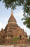 De tempel begon binnen met Myanmar royalty-vrije stock foto's