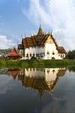 De tempel denkt na Stock Foto