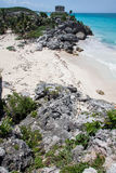 De Tempel en Strand Yucatan Mexico van de Ruïnes van Tulum Royalty-vrije Stock Afbeeldingen