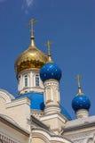 De tempel ter ere van Onze Dame van Kazan, Rostov - - trekt aan Stock Foto's