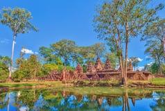 De Tempel van Banteaysrei in Siem oogst Kambodja stock afbeeldingen